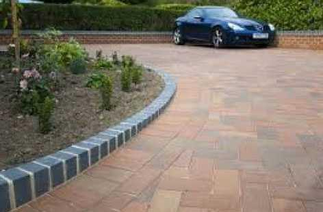 20171201093621 services 1 blockpaving